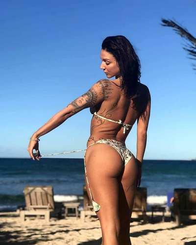 Stripteaseuse Bikini