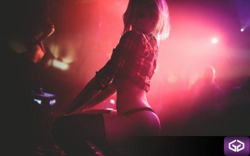 Stripteaseuse discothèque Grand-Est