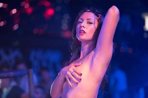 Stripteaseuse à domicile Agen