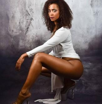 Stripteaseuse à domicile Loiret