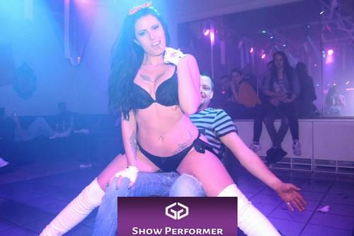 Stripteaseuse à domicile Valence