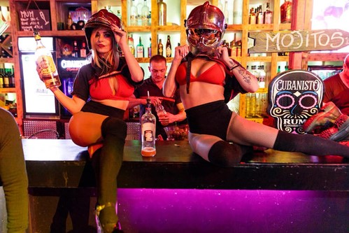 Stripteaseuse pompier rhône