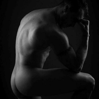 Le penseur de Rodin en version Chippendale