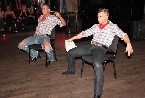 Gogo Danseur Clubeur en discothèque marseillaise