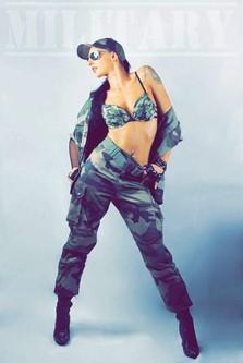 Stripteaseuse militaire Bouches-du-Rhône